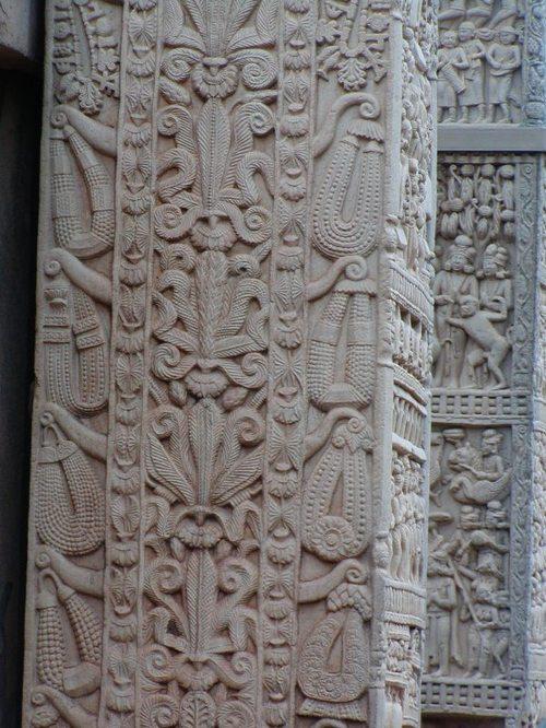 サンチー 門のパルメット